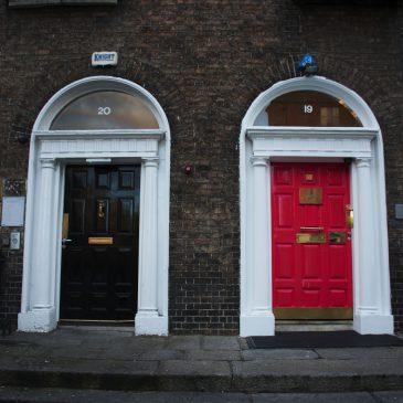 Город пабов и разноцветных дверей — это все о Дублине