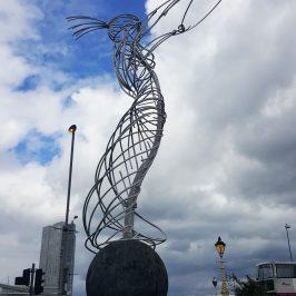 скульптура Энди Скотта в Белфасте
